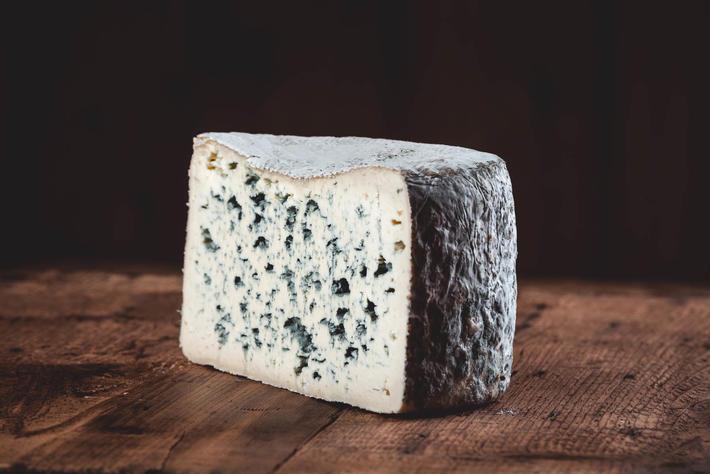 Bleu d'Auvergne AOP au lait pasteurisé issu de l'agriculture biologique